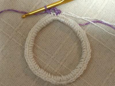 かぎ針編みシュシュ ラベンダー色のひらひらシュシュ