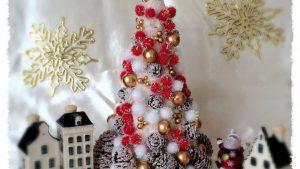 100円ショップの材料だけ!手作りクリスマスツリー